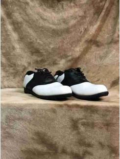 Soulier noir et blanc golf