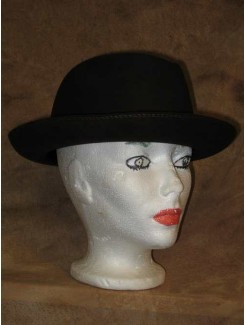 Chapeau brun foncé à rebord rond