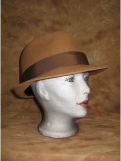 Chapeau brun pâle à rebord rond