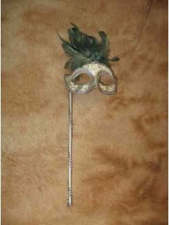 Vénitien blanc à plumes sur bâton